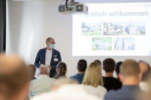 Prof. Dr. med. Stefan Bachmann holte mit der Themenwahl über 80 Fachleute aus dem Gesundheits-wesen ins Rehazentrum Valens.